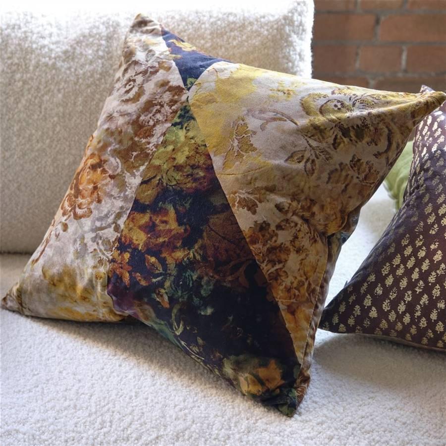 Designers Guild - Jangal Moss Velvet Cushion - 55x55 CM